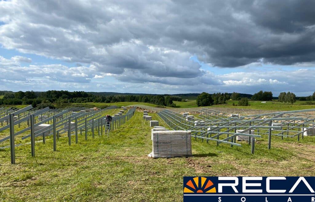 Montaż, wbijanie konstrukcji Reca Solar w grunt